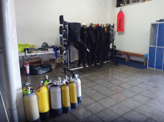 Interior escuela de buceo OlaSalada